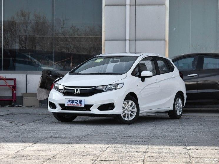 广汽本田 飞度 2018款 1.5L CVT舒适天窗版
